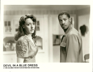 devil-in-a-blue-dress-jennifer-beals-and-denzel-washington-glossy-1280px